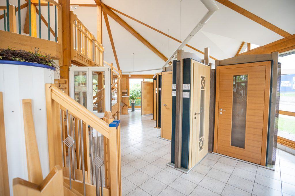 Ausstellungspavillon Türen